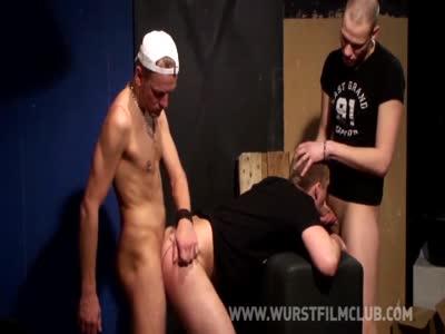 Gay Threesome Spitroas