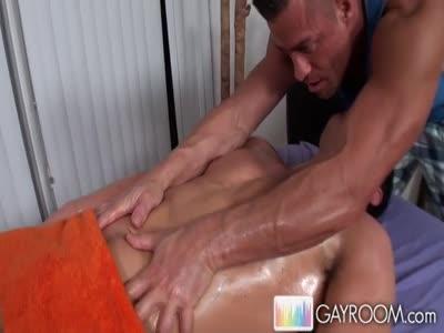 Dylan Deep Massagep4