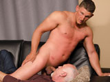Gay Porn from spunkworthy - Avery-Serviced-With-Jake-Cruise