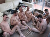 6 amateurs get to have a massive orgy at home and film it !