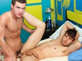 gay porn Jocks Kevin And Jeremy Fuck || Kevin meets up with newbie and gay jock Jeremy Clark for some fast and hard gay fucking.