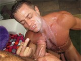 Gay Porn from gayroom - Bodybuilder-Meets-7