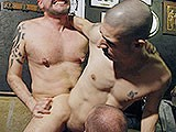 Public Bareback Threesome ||