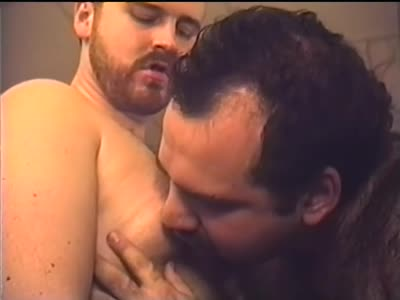 Sucking Another Hu - Gay Porn