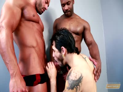 Posing For Pleasure - Gay Black Porn