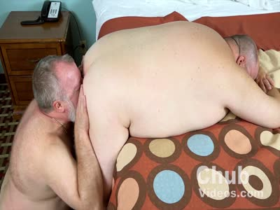 A Chubby Daddy For Lun - Gay Bear Sex