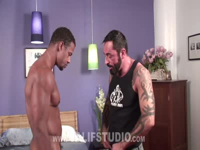 Black Muscle Bear Fuck - Interracial Gay Sex