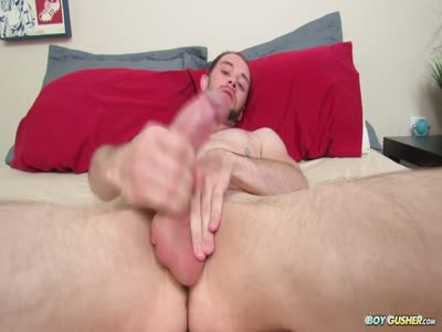 Blake Lee Squeezes One - Gay For Pay Straight Males
