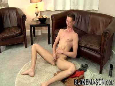 Billy Rock Wanks - Gay Jerkoff