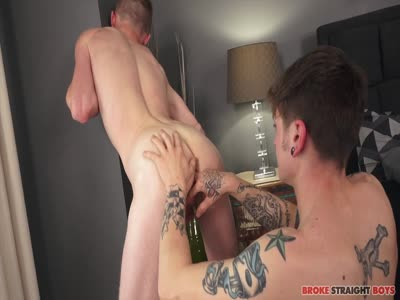 Landon Wells Fucks - Gay For Pay Straight Males