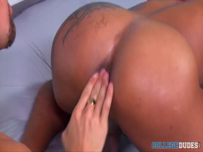 Bentley And Jay Suck E - Gay Frat boy