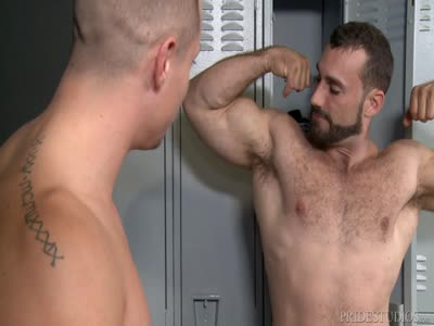 Worship My Big Mus - Gay BodyBuilder