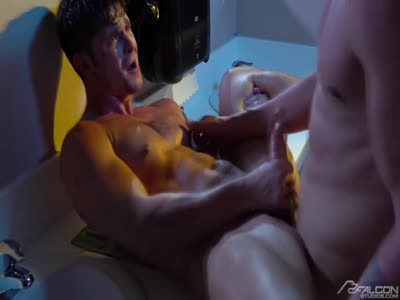 Beach Rats 5 - Bareback Gay Sex