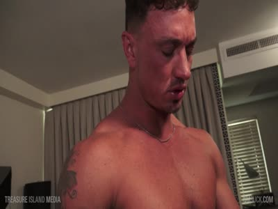 Muscle Bound Blowj - Gay BodyBuilder