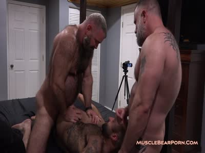 Atlas Plugged - Gay Bear Sex