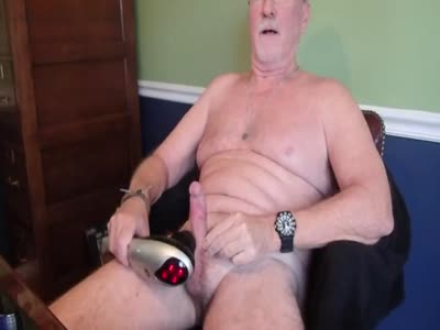 Vibrating My Load Out - Amateur Gay Sex
