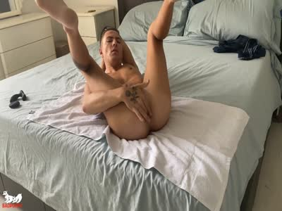 Johnny Hunter At Home - Gay For Pay Straight Males