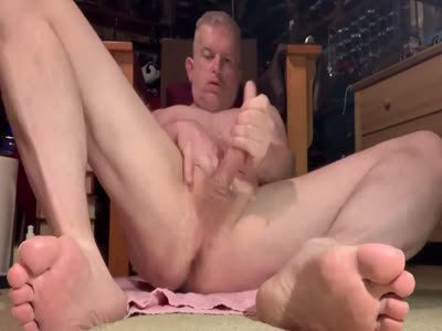 Daddy Masturbating - Amateur Gay Sex
