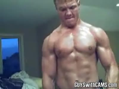 John Flexes Hard - Gay Webcam