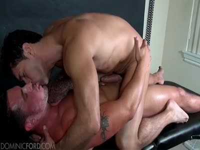 Ronnie Gets A Happy En - Gay Hunk