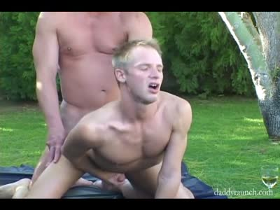 Silver Daddy Fucks Twi - Bareback Gay Sex