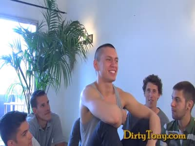 Cute Boy Suck Fest - Gay Orgy