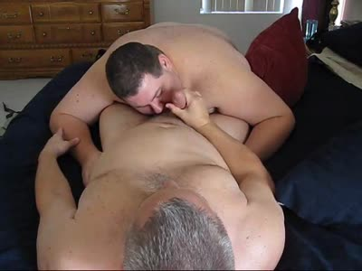 Chub Gives Hot Bear A  - Gay Bear Sex