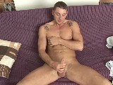Enzo-Bloom-Strokes-Cock - Gay Porn - BoyFunCollection