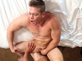 Gay Porn from gayhoopla - Jimmy-Bonas-Bubble-Butt-Takes-Cole-Money