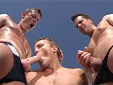 Threeway-Bj - Gay Porn - SwimmerBoyz