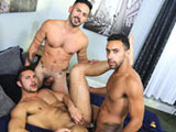 Surprise-Big-Dick-Threeway - Gay Porn - extrabigdicks
