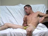 Mark-Jacking-On-The-Couch - Gay Porn - undietwinks
