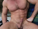 Big-Muscle-Hunk-Jacks-Off - Gay Porn - CzechBoys